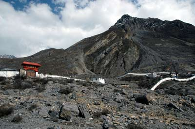 Picture of overview of entrance at Muktinath