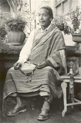 Picture of the late abbot of Chumig Gyata, Muktinath Lama Jampal Rabgyé Rinpoche